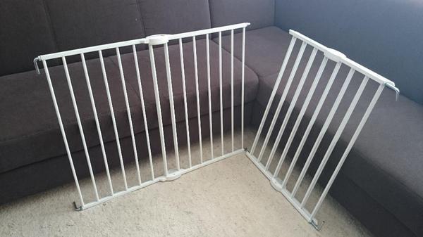 hallo zusammen wir brauchen unsere 2 sicherheitsgitter nicht mehr und wollen euch was gutes tun. Black Bedroom Furniture Sets. Home Design Ideas