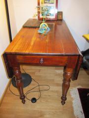2 Pembroke Tische