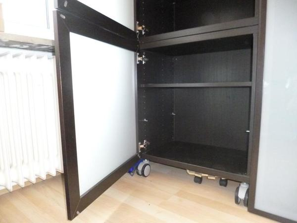 2 regale ikea besta schwarzbraun mit je 60x64x40 mit milchglast r in m nchen kaufen und. Black Bedroom Furniture Sets. Home Design Ideas