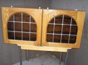 2 verglasste Küchenhängeschränke