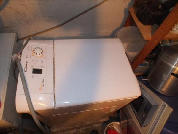 Alte waschmaschinen zum ausschlachten oder biete 4 alte waschmaschinen