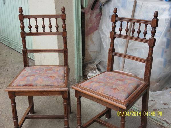 4 antike st hle. Black Bedroom Furniture Sets. Home Design Ideas