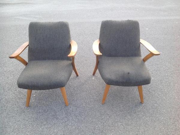 Au ergew hnliche form und funktion der beiden sessel aus for Sessel 50er jahre gebraucht
