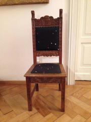 6 antike Esstischstühle.