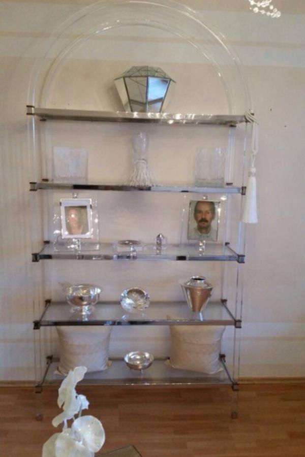 acryl plexiglas tisch regal in mainz regale kaufen und. Black Bedroom Furniture Sets. Home Design Ideas