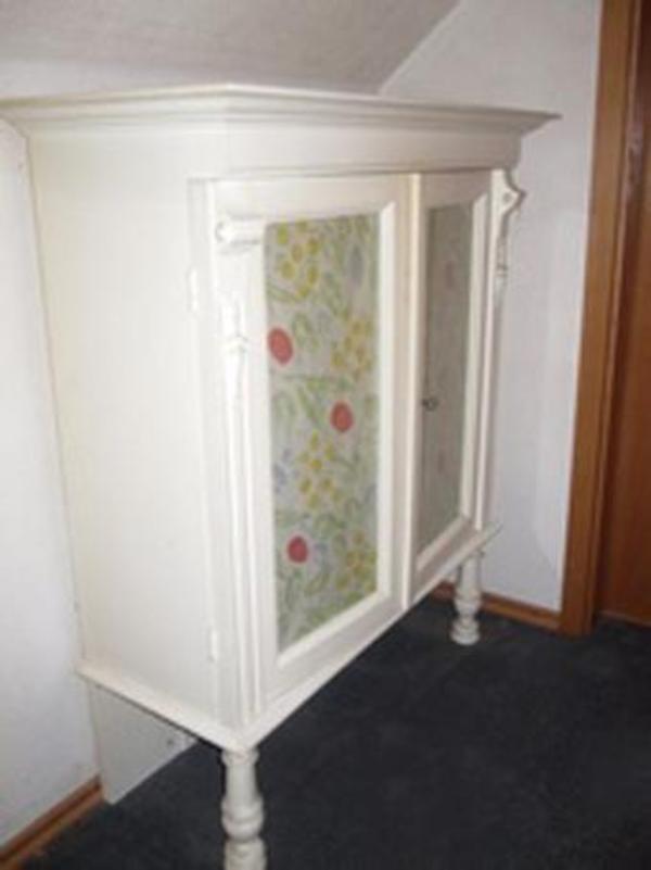 altes nostalgisches schr nkchen wei in berching stilm bel bauernm bel kaufen und verkaufen. Black Bedroom Furniture Sets. Home Design Ideas