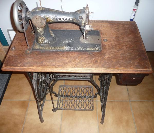 antike original singer n hmaschine mit fu pedal in hennef bad einrichtung und ger te kaufen. Black Bedroom Furniture Sets. Home Design Ideas