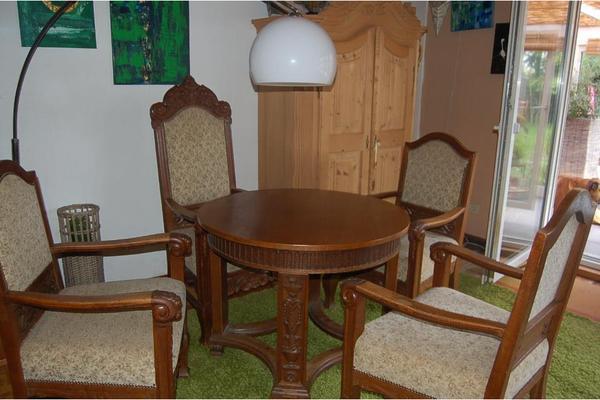 antike sitzgruppe tisch 4 st hle in gro umstadt polster sessel couch kaufen und verkaufen. Black Bedroom Furniture Sets. Home Design Ideas