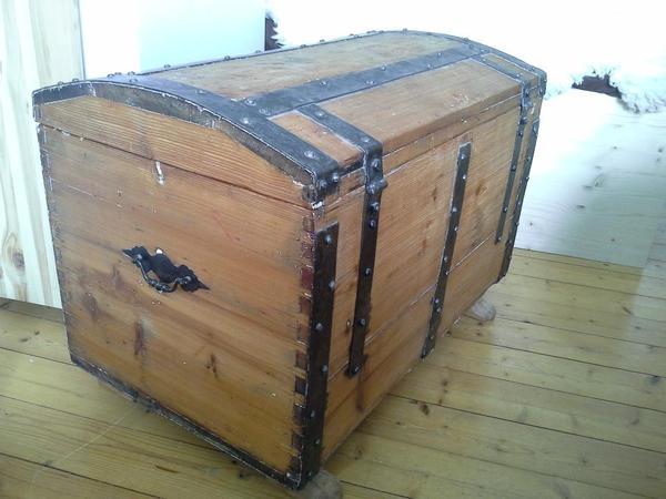 antike truhe in darmstadt sonstige antiquit ten kaufen und verkaufen ber private kleinanzeigen. Black Bedroom Furniture Sets. Home Design Ideas