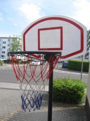 Basketballkorb mit Ständer,