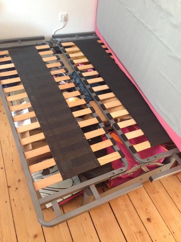 bettgestell 140x200cm 40eur in frankfurt matratzen rost bettzeug kaufen und verkaufen ber. Black Bedroom Furniture Sets. Home Design Ideas