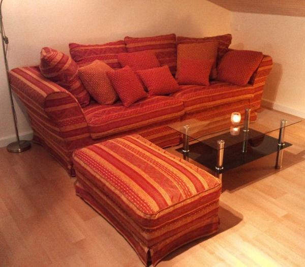big xxl sofa couch in mediteranem stil mit hocker und kissen sitzgruppe wohnzimmer in pforzheim. Black Bedroom Furniture Sets. Home Design Ideas