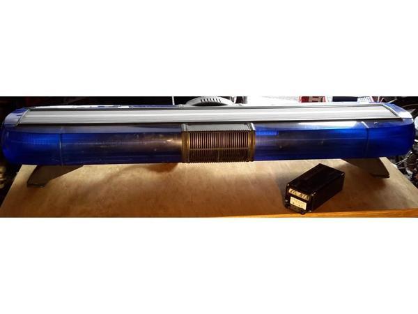 blaulicht balken mit sirene ohne kabelbaum rettung. Black Bedroom Furniture Sets. Home Design Ideas