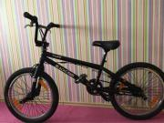 """BMX Rad \""""Black Cross\"""" von Cube 4130, 20 Zoll, mattschwarz Zu verkaufen ein BMX Fahrrad von Cube \""""Black Cross\"""" 4130 , in 20 Zoll, mattschwarz. Fußrasten sowohl am Vorderrad als auch am Hinterrad, Handbremsen ... 250,- D-45711Datteln Heute, 20:02 Uhr, D - BMX Rad """"Black Cross"""" von Cube 4130, 20 Zoll, mattschwarz Zu verkaufen ein BMX Fahrrad von Cube """"Black Cross"""" 4130 , in 20 Zoll, mattschwarz. Fußrasten sowohl am Vorderrad als auch am Hinterrad, Handbremsen"""