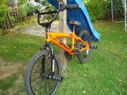 BMX-Rad - neuwertig! BMX-Bike wie neu - kaum gebraucht - günstig abzugeben. 10jähriger Junge hatte kein Interesse am BMX-Bike. Selbstabholer oder Versendung bei ... 125,- D-78050Villingen-Schwenningen Villingen Heute, 20:18 Uhr, Villingen-Schwenningen Vil - BMX-Rad - neuwertig! BMX-Bike wie neu - kaum gebraucht - günstig abzugeben. 10jähriger Junge hatte kein Interesse am BMX-Bike. Selbstabholer oder Versendung bei