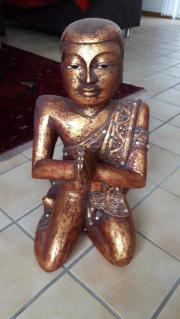 Buddhistische Mönchsfigur