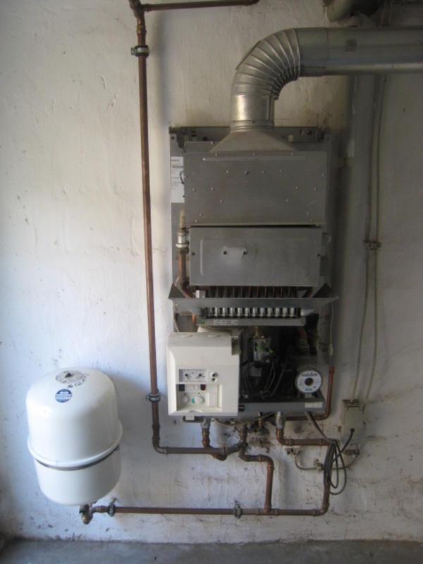 Buderus Gas Umlaufwasserheizer Logamax U122 20 24 In