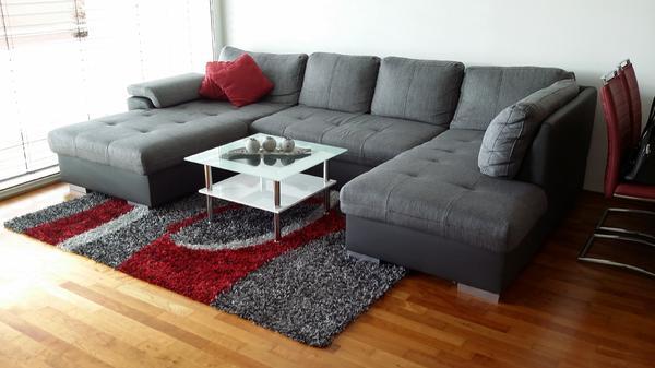 Couch + Couchtisch in Zwischenwasser  Polster, Sessel