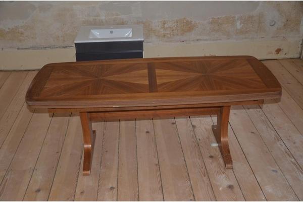 couchtisch h henverstellbar und ausziehbar hochwertig. Black Bedroom Furniture Sets. Home Design Ideas