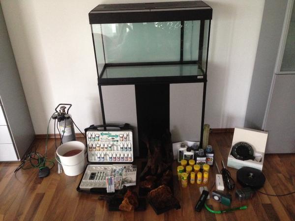 designer aquarium komplett set ideal f r einsteiger in. Black Bedroom Furniture Sets. Home Design Ideas