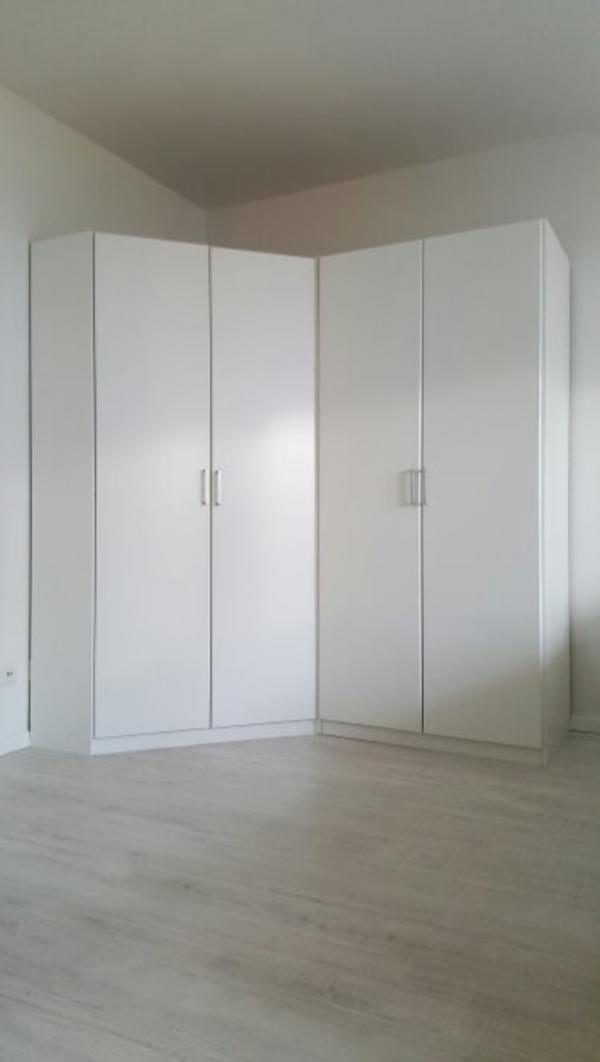 eck schrank weiss kaufen gebraucht und g nstig. Black Bedroom Furniture Sets. Home Design Ideas