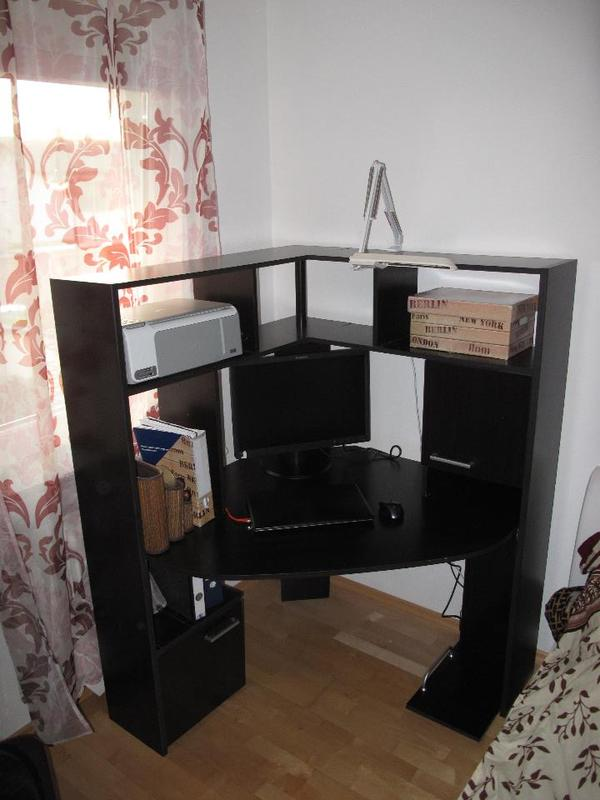 eckschreibtisch computertisch mit aufsatz in puchheim. Black Bedroom Furniture Sets. Home Design Ideas