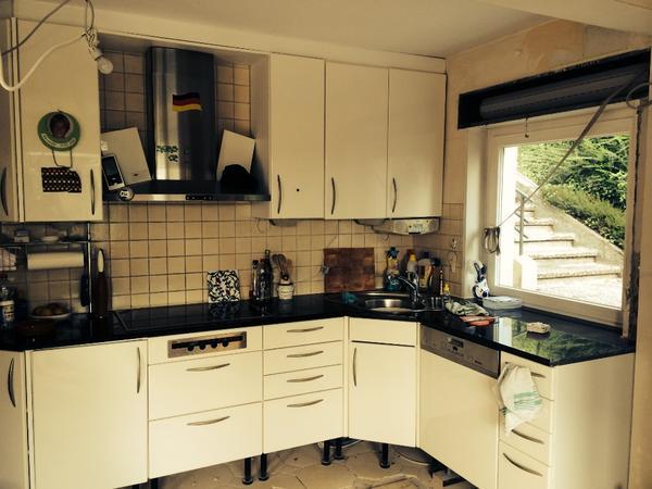 einbauk che wei gebraucht neuesten design kollektionen f r die familien. Black Bedroom Furniture Sets. Home Design Ideas