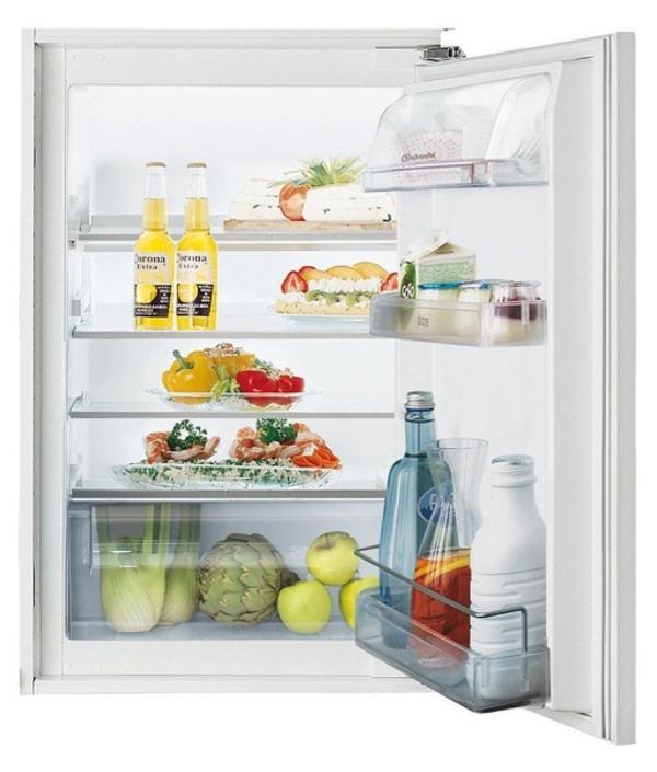 Biete einen einbaukühlschrank ohne gefrierfach an er ist in einem