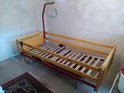 Elektrisch verstellbares Pflegebett