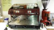 Espresso Maschine Hallo, zu verkaufen eine Espresso Maschine zwei gruppig, der Marke Faema, komplett überholt. Dazu eine Kaffeemühle, la cimbale (alte Ausführung ... 2.300,- D-72764Reutlingen Heute, 14:46 Uhr, Reutlingen - Espresso Maschine Hallo, zu verkaufen eine Espresso Maschine zwei gruppig, der Marke Faema, komplett überholt. Dazu eine Kaffeemühle, la cimbale (alte Ausführung