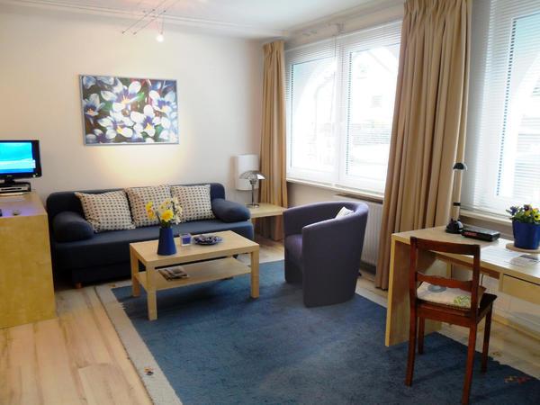ferienwohnung wohnen auf zeit modernes studio 1 zimmer. Black Bedroom Furniture Sets. Home Design Ideas