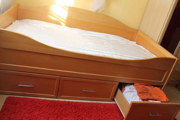 gebrauchtes kastenbett 1 00 x 2 00 mt buche massiv schreinerware in obertraubling betten. Black Bedroom Furniture Sets. Home Design Ideas