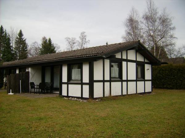 gem tliches ferienhaus im ferienpark tennenbronn im schwarzwald zu verkaufen schramberg. Black Bedroom Furniture Sets. Home Design Ideas