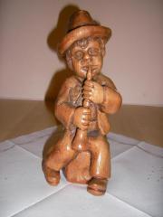 Geschnitzte Holzfigur Knabe