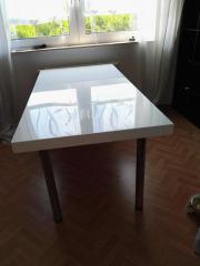 Großer Schreibtisch mit