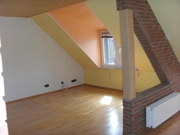 kleinanzeigen helle dachgeschoss wohnung mit sauna und whirlpool in duisburg bild 5 von bild 5. Black Bedroom Furniture Sets. Home Design Ideas