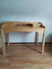 Heller Schreibtisch