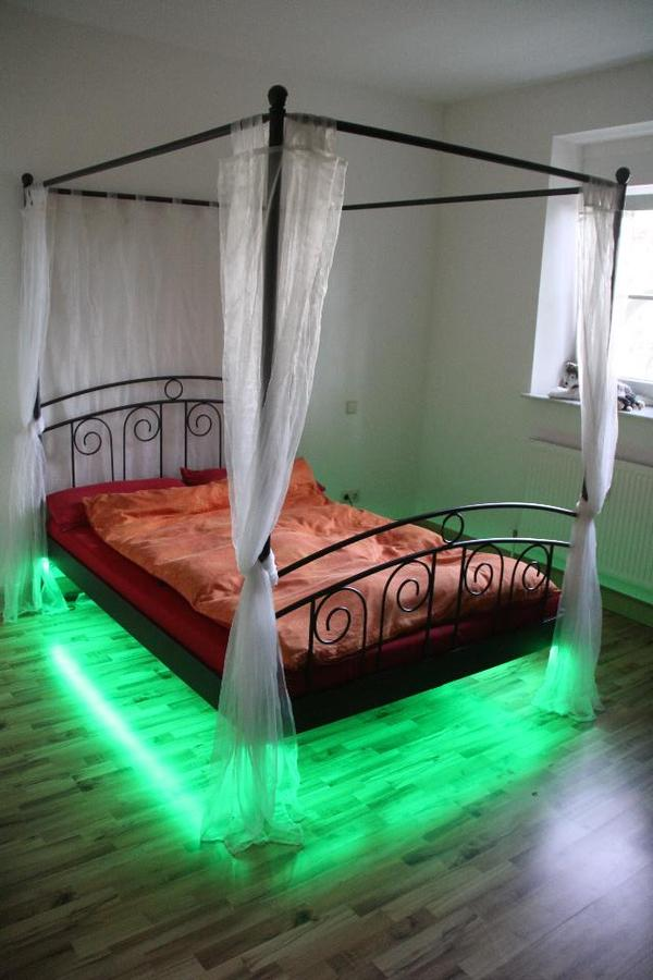 himmelbett metall led beleuchtung fernbedienung in. Black Bedroom Furniture Sets. Home Design Ideas
