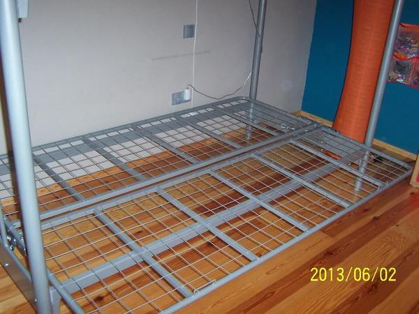 hochbett silber mit couch unten topzustand wie neu in queidersbach betten kaufen und. Black Bedroom Furniture Sets. Home Design Ideas