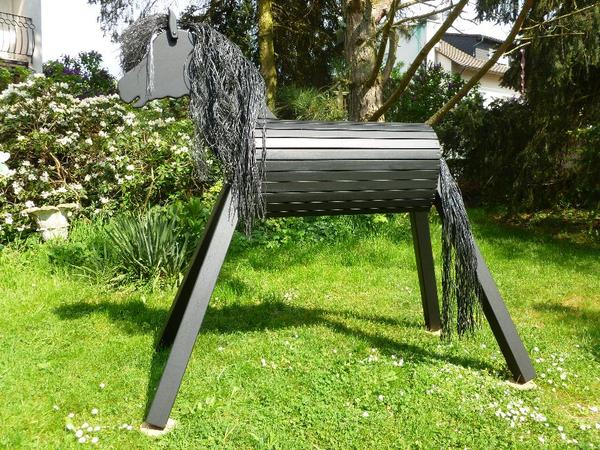 holzpferd holzpony voltigierpferd spielpferd pferd pony 120cm rappe neu in roth pferde kaufen. Black Bedroom Furniture Sets. Home Design Ideas