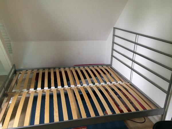 ikea bett bettgestell metallbett 160x200 in m nchen ikea m bel kaufen und verkaufen ber. Black Bedroom Furniture Sets. Home Design Ideas
