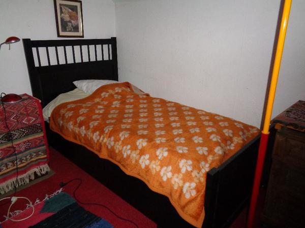 ikea bett hemnes liegefl che 1x2m in m nchen betten kaufen und verkaufen ber private. Black Bedroom Furniture Sets. Home Design Ideas