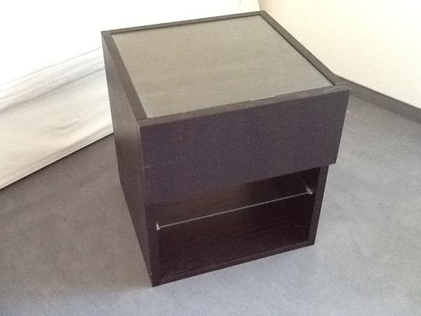 ikea nachttisch mit 2 glasplatten wenge optik in winnenden ikea m bel kaufen und verkaufen. Black Bedroom Furniture Sets. Home Design Ideas