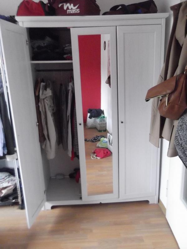 verkaufe meinen kleiderschrank n here produktdetails erhalten sie unter dem link http www. Black Bedroom Furniture Sets. Home Design Ideas