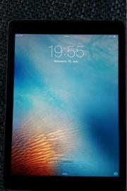 iPad Air Space