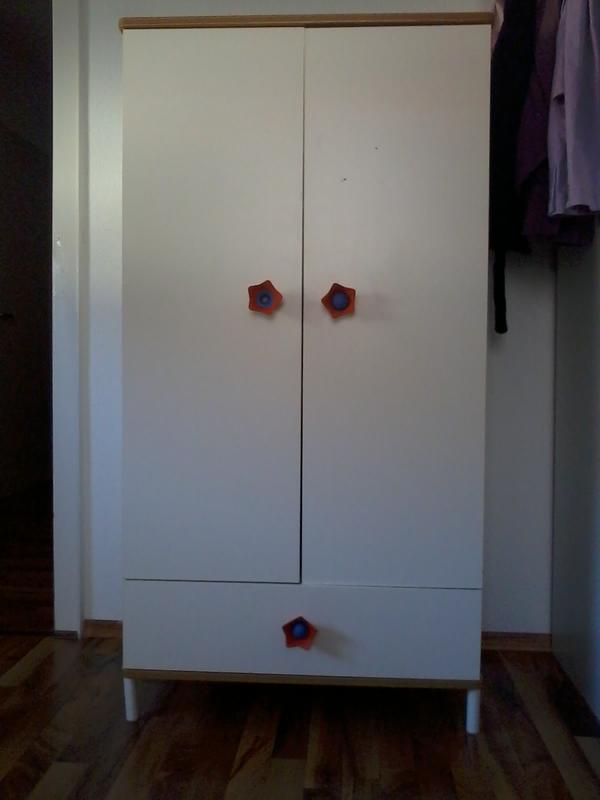 Kleiderschrank Ikea Zweitürig ~ Kinderschrank weiß birke von IKEA in Zweibrücken  IKEA Möbel