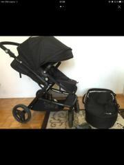 Kinderwagen mit Baby