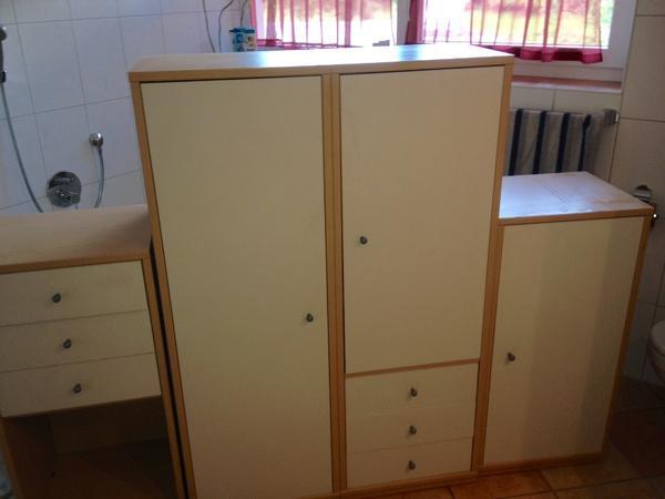 kinderzimmer schrank zu verschenken in schlins kinder jugendzimmer kaufen und verkaufen. Black Bedroom Furniture Sets. Home Design Ideas