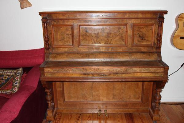 klavier zu verschenken an selbstabholer in stahnsdorf tasteninstrumente kaufen und verkaufen. Black Bedroom Furniture Sets. Home Design Ideas