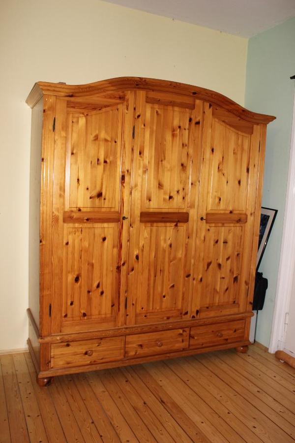 kleiderschrank. Black Bedroom Furniture Sets. Home Design Ideas